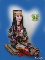ливинг долл, ручная роспись, в наряде куклы использован узбекский атлас, бархат, бисер, тесьма, 38 см сидя, 2008