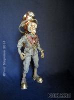сталь, латунь, медь, свинец, текстиль, фимо, шерсть, оргстекло. Шарнирная кукла, высота 25 см; длина 34 см; ширина 12 см, более 400-х заклёпок, 2014