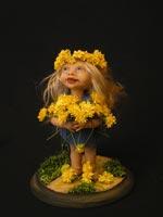 """Ливингдол. Цветы сделаны в ручную. Трава """"посажена"""" в подставку, , 2005"""